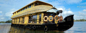four-bedroom-pickadly-houseboat